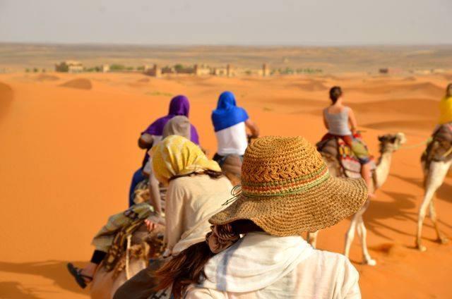 モロッコサハラ砂漠らくだツアー