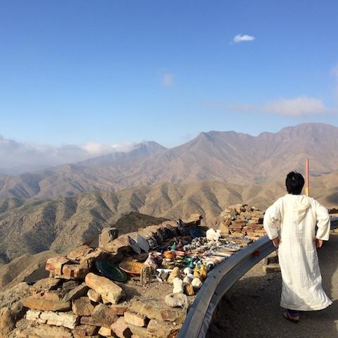モロッコ、アトラス山脈を臨む