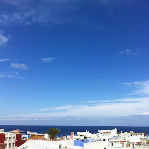 モロッコ、アシラから見る海