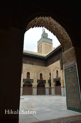 モロッコ、フェズのブー・イナニア・マドラサ