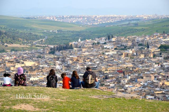 モロッコ、フェズの旧市街を望む