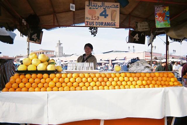 モロッコ、マラケシュのオレンジジューススタンド