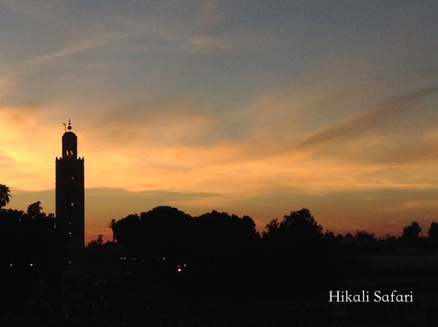 モロッコ、マラケシュの夕暮れ